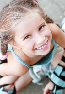 girl-rollerblading_33997063.jpg